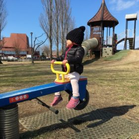 新潟|公園で遊ぶ娘